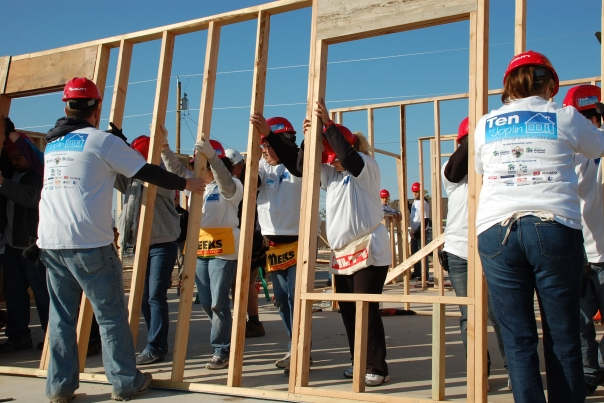 http://www.sdflc.org/wp-content/uploads/2015/07/volunteers_building.jpg